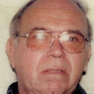 """Leon J. """"Bucky"""" Swiniarski Obituary Photo"""