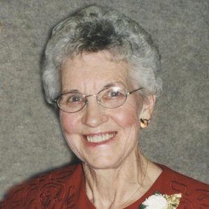 Lorraine B. Hoeschen Obituary Photo