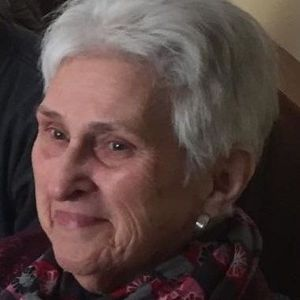 Bea (VanSanford) Larrabee Obituary Photo