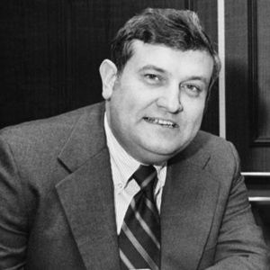 Wayne Duke, the collegiate sports executive who worked to expand the NCAA basketball tournament during his 18-year tenure as commissioner of the Big Ten, died Wednesday, March 29, 2017, according to multiple news sources. He was 88.