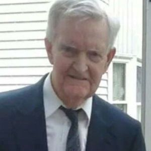 Donald E. Kamholz Obituary Photo