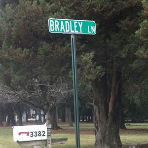 Robert T. Bradley Obituary Photo