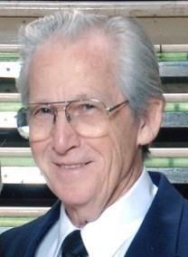 Leon V. Hollingshead obituary photo