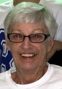 Elizabeth Jarrett Holshouser obituary photo