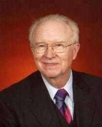 Howard Bennett Hamilton obituary photo