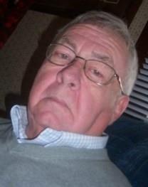 Robert E. Rhoades obituary photo