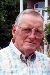 Dennett Lee King obituary photo