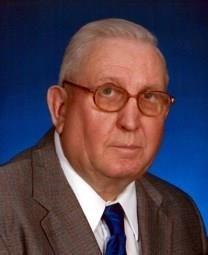 Wilburn Louis Maeker obituary photo