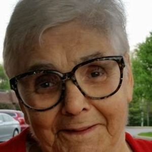 Carmella Molinaro Obituary Photo