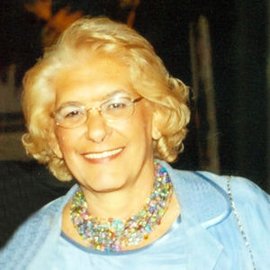Helen J. (nee Martorelli)  Gross