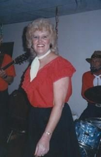 Phyllis Andrea Holcom obituary photo
