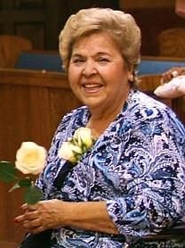 Viola Silguero Robles obituary photo