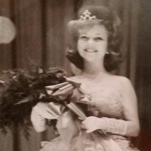 Peggy Lee Frier