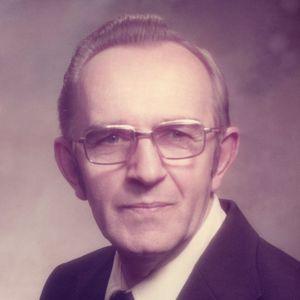 Larrie W. Owczarek