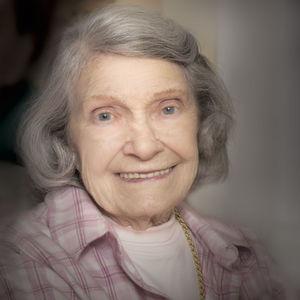 Luise Helene Calderbank Obituary Photo