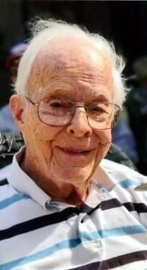 Thomas R. Edwards obituary photo