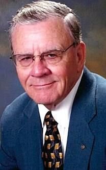 William Young McDaniel obituary photo