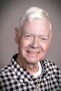Louis Wendell Holshouser obituary photo