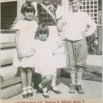 1930    Manhattan, Youngstown, Ohio Dorothy 3 1/2 yo with her siblings, Katherine 12, Steve 9, Mary Ann 7