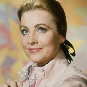Anne Jeffreys Obituary Photo