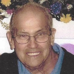 """Richard L. """"Dick"""" Martins Obituary Photo"""