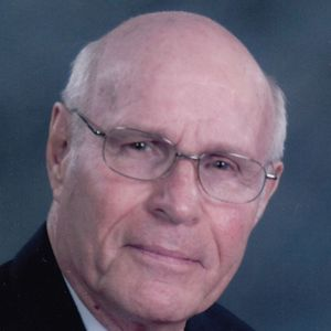 Pastor Calvin W. Niewenhuis Obituary Photo
