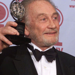 Roy Dotrice Obituary Photo