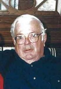 Edward Louis Lindholm obituary photo