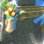 Louis' resting place has a name plaque on Memorial Day, 30 May 2011