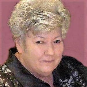 """Teresa """"Tina"""" Willis Obituary Photo"""