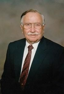 Arch Max McLeod obituary photo