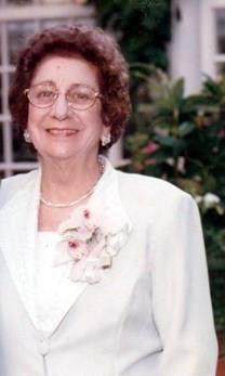Lydia La Cruz Calderon obituary photo