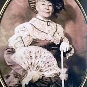 Victoria E. Gomez