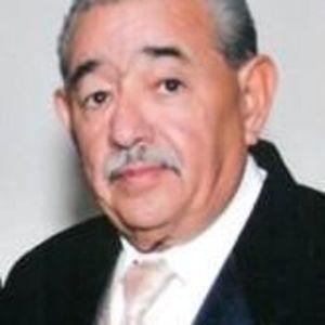 Enrique Baeza Flores