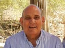 Robert J. Mendez obituary photo