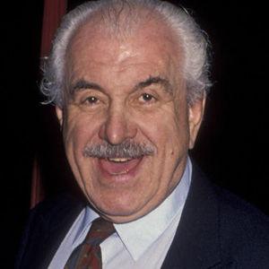 Louis Zorich Obituary Photo