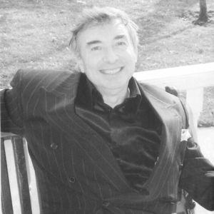 Dennis P Weltman
