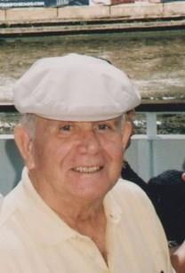 Robert J. Reynolds obituary photo