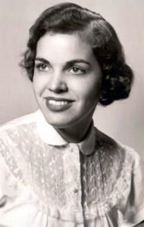 Sandra E. Descoteaux obituary photo