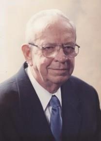 Lester Arlin Bader obituary photo