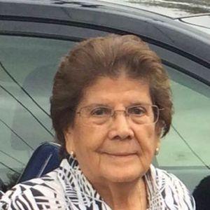 Luz Carrera Obituary Photo