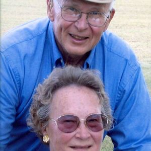 "John & Elizabeth ""Lib"" Stuhlmacher Obituary Photo"