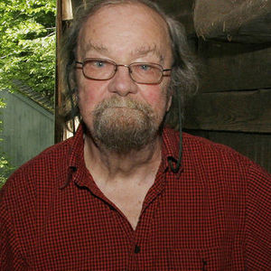 Donald Hall Obituary Photo