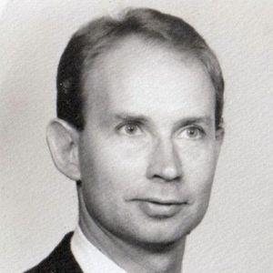 Raymond Cecil Sawyer Obituary Photo