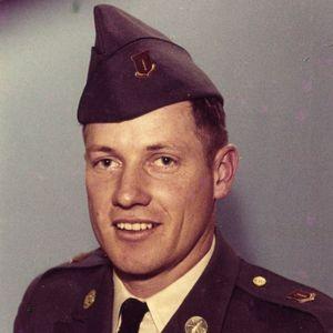 Earl William  McMillan Obituary Photo