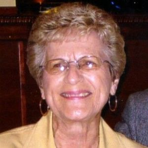 Mrs. Betty Gold Obituary Photo