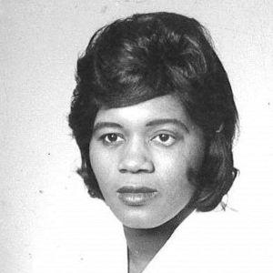 Mrs.  Dimple  Lee Pratt