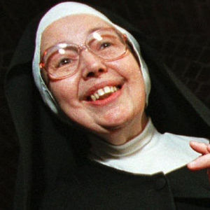 Sister Wendy Beckett Obituary Photo