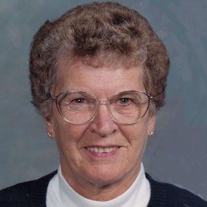 Lorraine Nyhoff