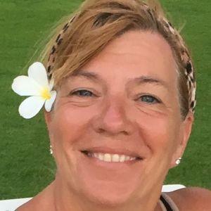 Ilona Sue (Goodman) Newton